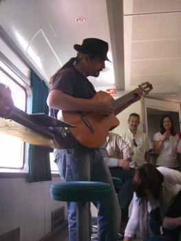 Yampi y su guitarra