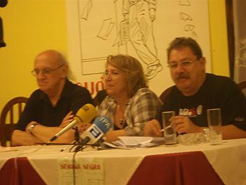 Petros Markaris, Lourdes Pérez y Paco Taibo