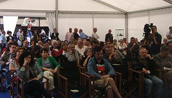 Público asistente a la charla Literatura y memoria histórica
