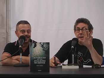 Toni Hill y Paco Camarasa presentan El verano de los juguetes muertos