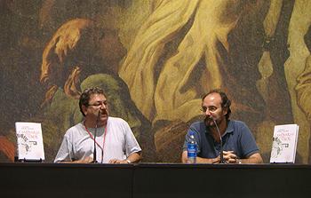Paco Ignacio Taibo II y Alfonso Mateo-Sagasta presentando Caminarás bajo el sol