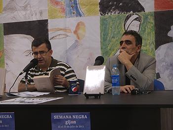 Pedro Tejada y Alejandro M. Gallo presentando Mucha Muerte