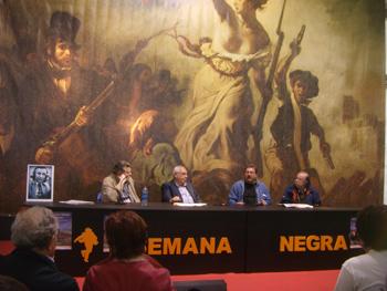 24 años después, un homenaje a nuestros fundadores. Alejandro Ortea, Vicente Álvarez Areces, Paco Ignacio Taibo II y Juan Cueto, acompañados por la fotografía de Silverio Cañada