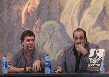 Carlos Quilez y Dani el Rojo presentando Confesiones de un gángster de Barcelona