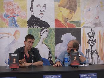 Javier Calvo y Raúl Argení durante la presentación de Corona de flores
