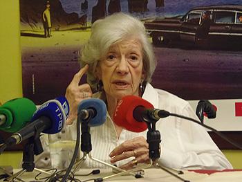 Ana María Matute durante la rueda de prensa de la mañana en el Hotel Don Manuel