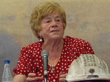 Anita Sirgo contando su experiencia como luchadora antifranquista