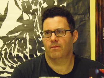 Adrian McKinty presentando su novela en la Semana Negra