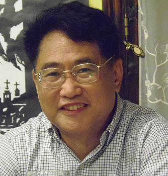 El escritor chino Qiu Xiaolong