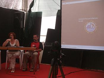 Eloína Terrón y Enrique Javier Díez Gutiérrez presentando el documental La sombra de las ideas. Foto Toni Gutiérrez
