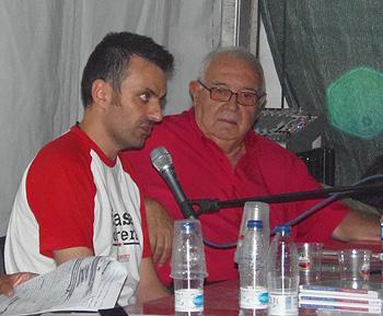 Benjamín Gutiérrez y Víctor Díaz Cardiel durante la presentación del documental Hay una luz en Asturias… Testigos de las huelgas de 1962