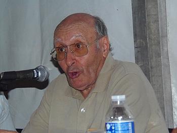 Mariano Gamo presentando el libro Mariano Gamo. Testigo de un tiempo. Entre cristianismo y marxismo y viceversa