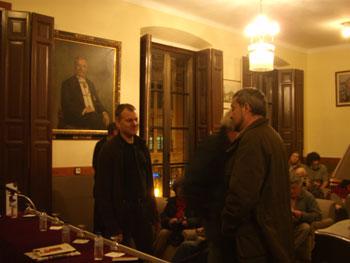 Instantánea del Ateneo Obrero de Gijón antes de comenzar el acto
