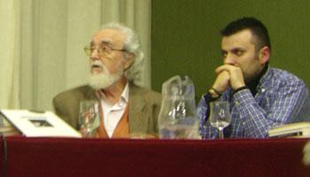 Rafael Hernández y Benjamín Gutiérrez durante la presentación del libro Asociación Amigos de Mieres (foto Toni Gutiérrez)