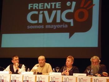 Juan Carlos Monedero, Julio Anguita, Pilar García y Víctor Ríos presentando el Frente Cívico Somos Mayoría. (Foto: Toni Gutiérrez)