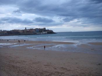 Atardecer en la playa de San Lorenzo (Gijón)