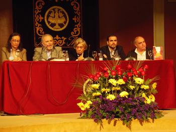 Carmen Reina, Julio Anguita, Carlos París, Alberto Garzón y Ricardo G. Mestre presentando el libro Conversaciones sobre la III República (Foto: Toni Gutiérrez)