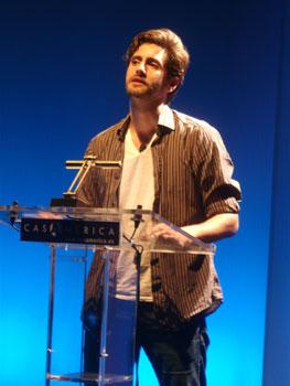 Juan Diego Botto explicando sus cuatro maneras de recrear a Hamlet