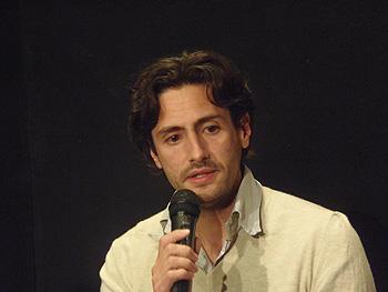 Juan Diego Botto durante la presentación (Foto: Toni Gutiérrez)