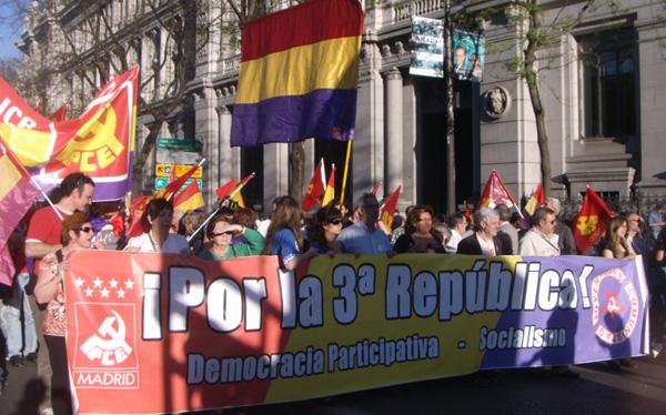Una de las pancartas de la Manifestación pidiendo la III República (Foto: Toni Guitiérrez)