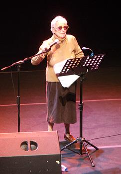 Carmen Arrojo durante el homenaje. Foto Toni Gutiérrez