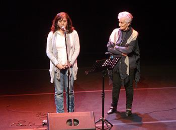 Remedios Palomo e Hilda Farfante durante el homenaje. Foto Toni Gutiérrez