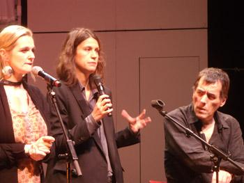 Shana Carroll (dirección artística de PSY), Claudia (traductora) y Pere Pinyol (director del Circo Price) durante la rueda de prensa de presentación