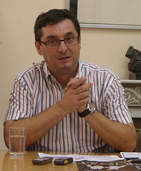 José Luis Centella durante la rueda de prensa