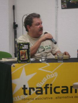 Paco Ignacio Taibo II durante la presentación (Foto: Toni Gutiérrez)
