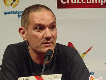 Miguel Alcantud durante la rueda de prensa de Diamantes Negros (Foto: Toni Gutiérrez)