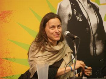 Natalia Almada directora de «El General» durante la rueda de prensa