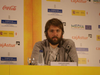 Dagu Kari director de «The good heart» durante la rueda de prensa