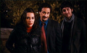 Natalia Mateo, Luis Callejo y Raúl Arévalo en una escena del corto «Pichis»