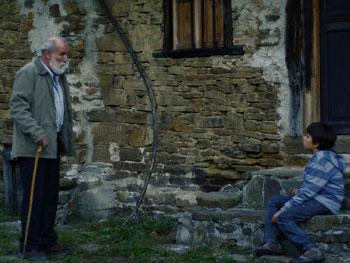 Carlos Álvarez Novoa y Félix Corcuera Llano en una escena del corto Sangre