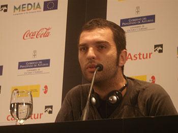 El director serbio Nikola Lezaic en la rueda de prensa de su película Tilva Ros