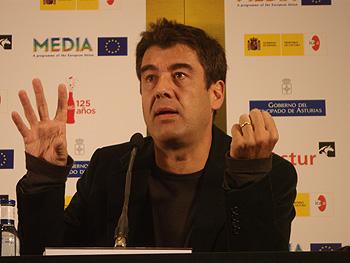 Fernand Melgar, director de la película Vol Special, durante la rueda de prensa de presentación