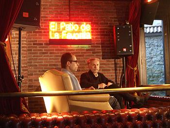 Luis Mayo conversa con Vladimir Blazevski, director de Pankot ne e mrtov durante la rueda de prensa