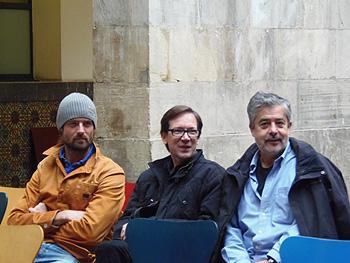 William Miller, Emilio R. Barrachina y Carlos Iglesias antes de comenzar la rueda de prensa de presentación de su película La venta del paraíso