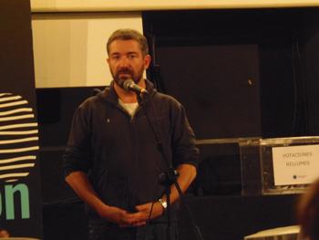 Sérgio Tréfaut durante el encuentro con el público tras la proyección de su película Viagem a Portugal / Journey to Portugal