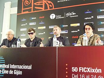 Farid Bozorgmehr, Dmitry Glujovsky, Nacho Carballo y Lola Salvador durante la lectura del palmarés