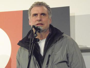 Gregory Cohen durante el encuentro con el público