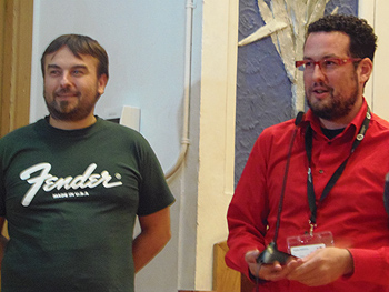 Daniel San Román y Hugo Serra en el encuentro con el público