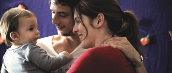 Jérémie Elkaïm y Valérie Donzelli en una escena de la película Declaración de guerra