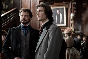 Colin Firth y Ben Barnes en una escena la película El retrato de Dorian Gray