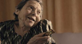 María en un fotograma de la película La plaga