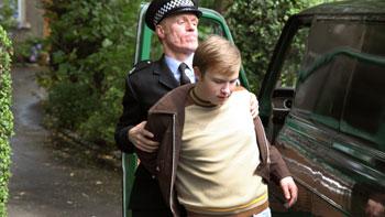 Conor McCarron en una escena de la película Neds