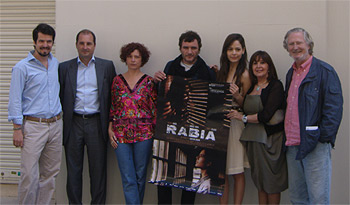 El equipo de Rabia posando antes del pase de prensa