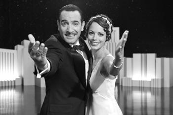 Jean Dujardin y Bérénice Bejo en una escena de la película The Artist