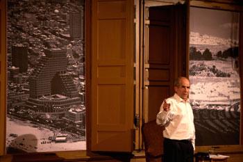 Francisco Vidal en una escena de la obra Vía Dolorosa