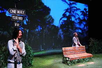 Fele Martínez y Gorka Otxoa en una escena de la obra Continuidad de los parques